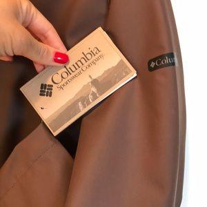 Columbia Jackets & Coats - Women's Columbia Sportswear rain jacket.